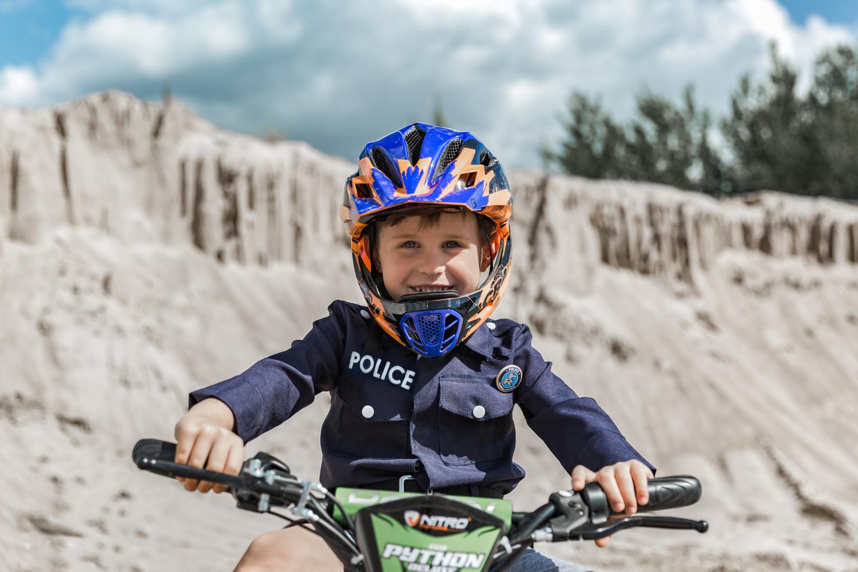 Vaiko gimtadienis su vaikišku policininko kostiumu